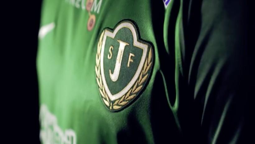 J-södras logotyp visas på en lagtröja